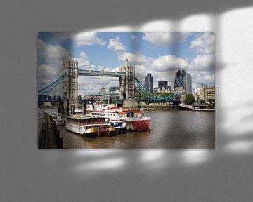 Tower Bridge in London van Jan Kranendonk