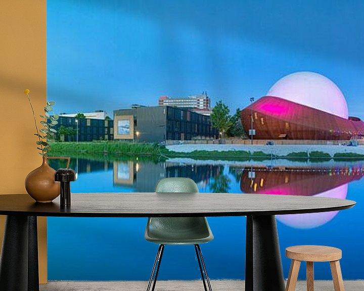 Beispiel fototapete: Panorama Restaurant DOT in Groningen met de Martinitoren op de achtergrond von Ron Buist