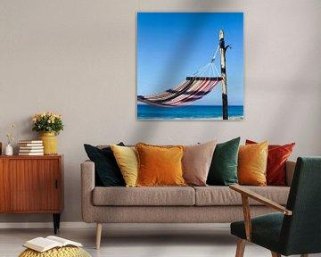 Kleurrijke hangmat op het strand van BeeldigBeeld Food & Lifestyle
