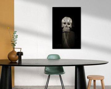 bewerkte schedel /doodshoofd in sepia von Rob van Keulen