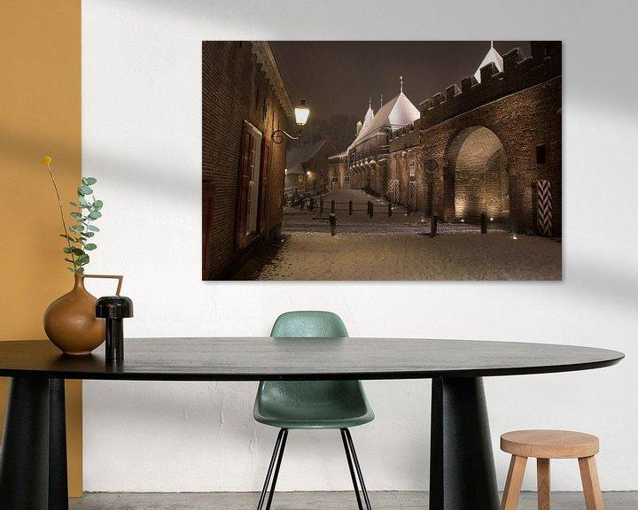 Sfeerimpressie: Koppelpoort in een winternacht van Gertjan Hesselink
