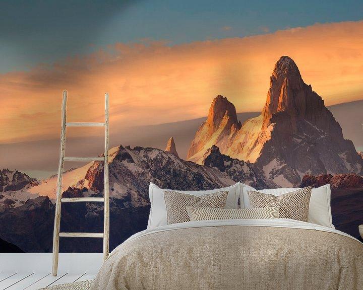 Sfeerimpressie behang: Fitz Roy Mountain tijdens zonsopkomst van Ellen van Drunen