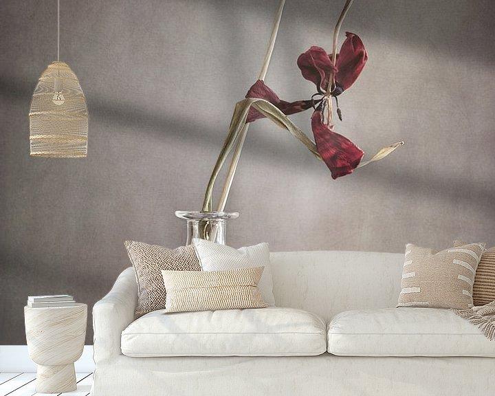 Sfeerimpressie behang: Tulp van Götwin van Bergen