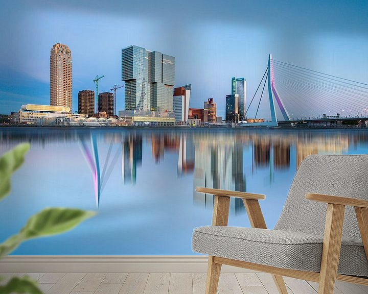 Sfeerimpressie behang: Rotterdam Skyline van Steven Dijkshoorn