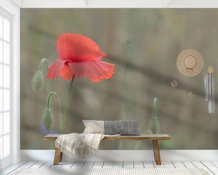 Sfeerimpressie behang: poppy in a field of wheat van Jaco Verheul