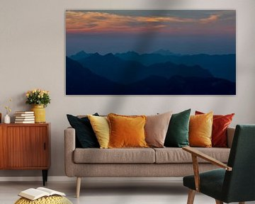 Zonsondergang achter de Oostenrijkse Alpen  von Kaj Hendriks