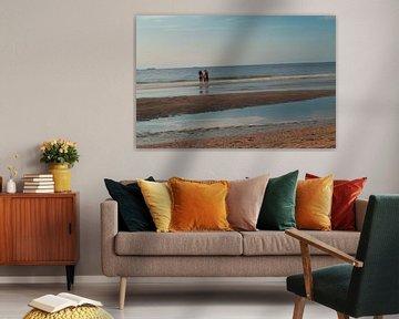 Playing in the sea van Thijs Struijlaart