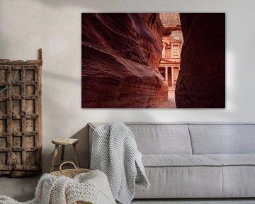 Felsen in Petra, Jordanien von Laura Vink
