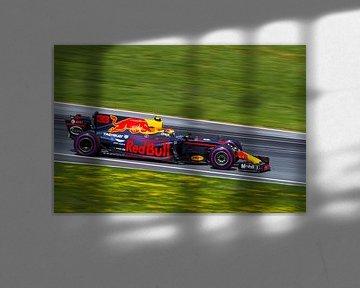 Max Verstappen in actie tijdens de Grand-Prix van Oostenrijk 2017 van Justin Suijk
