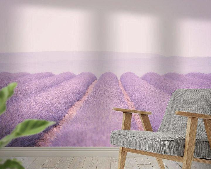 Sfeerimpressie behang: lavendel van Hilde Van Hove