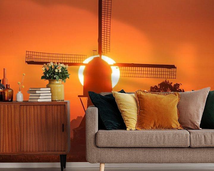 Sfeerimpressie behang: molen met opkomende zon van Bart Hardorff