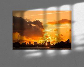 Zonsondergang skyline Rotterdam van Mark den Boer