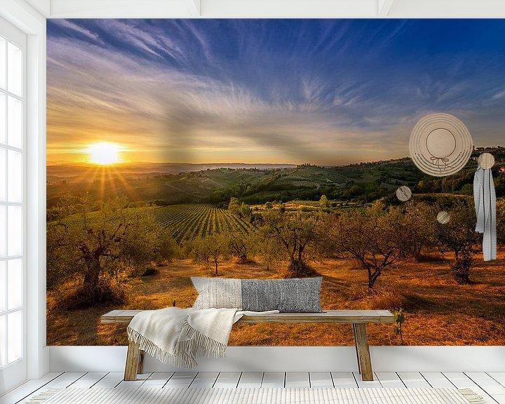 Sfeerimpressie behang: Sunrise over Tuscany Hills van Sander Peters Fotografie