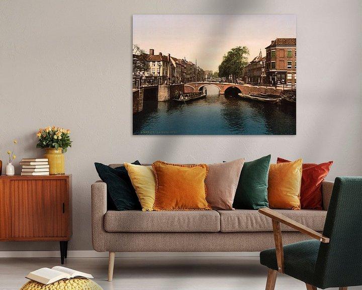 Sfeerimpressie: Het Spui, Den Haag. van Vintage Afbeeldingen