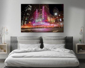 Radio City at night, New York city van Mark Wijsman