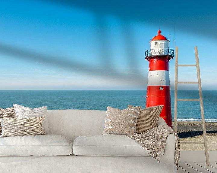 Sfeerimpressie behang: Vuurtoren aan de voet van de Westkappelse Zeedijk  van Ruud Morijn