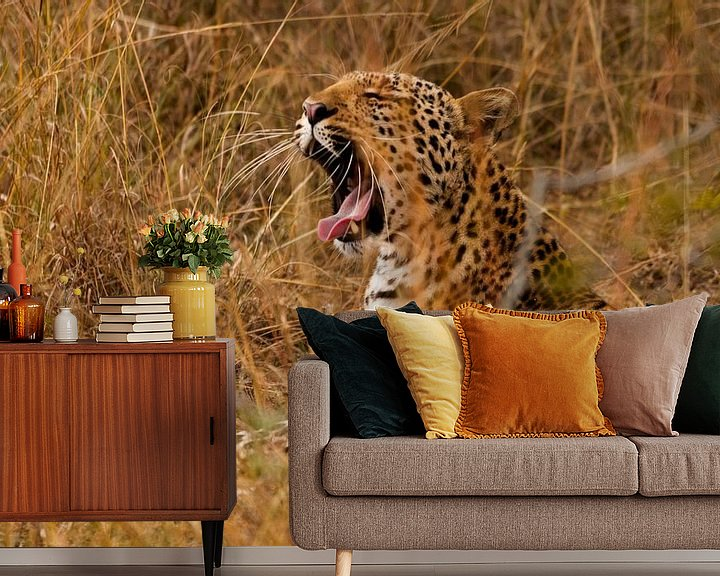 Sfeerimpressie behang: Luipaard van Sander Strijdhorst