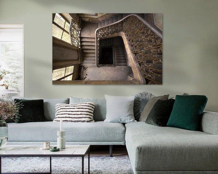 Beispiel: Verlassene Treppe in einem Schloss. von Roman Robroek