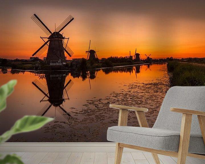 Sfeerimpressie behang: Oranje Kinderdijk van Marc Smits