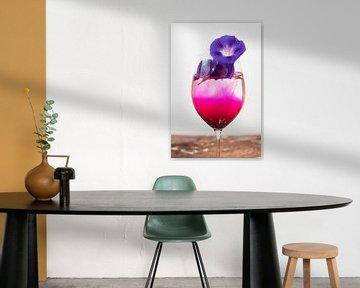 Purperen bloem in glas von André Scherpenberg