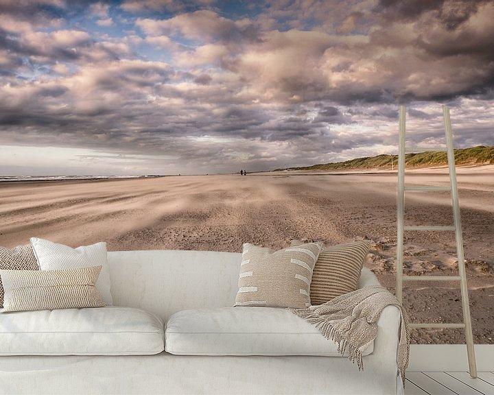 Sfeerimpressie behang: Strand van Bredene aan zee. van Focco van Eek
