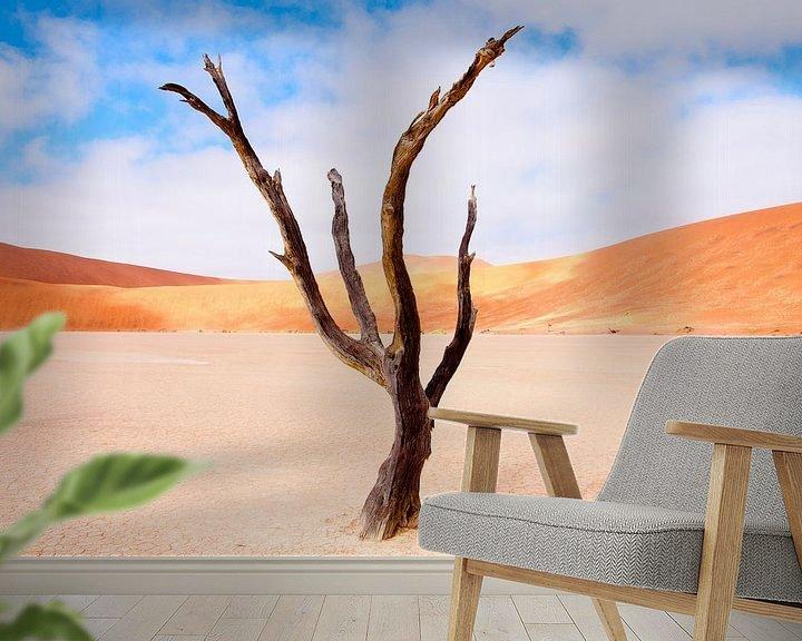 Sfeerimpressie behang: De dansende boom... van Aisja Aalbers
