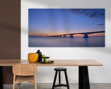Zeelandbrug vlak voor zonsopgang van Gerard Veerling