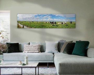 Panorama met uitzicht op koeien van Tieme Snijders