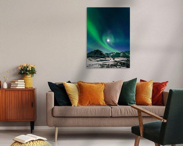 Sfeerimpressie: Noorderlicht, Poollicht of Aurora Borealis in de nachtelijke hemel boven het eiland Senja in Noord N van Sjoerd van der Wal