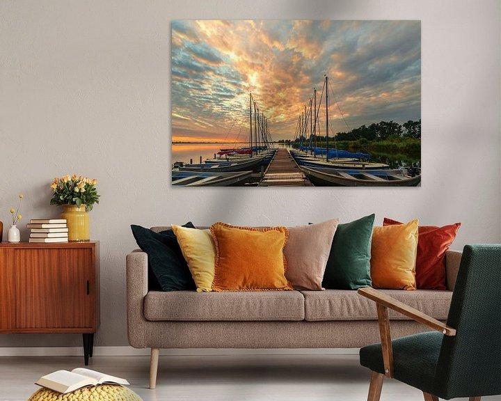 Sfeerimpressie: Steiger met boten Leekstermeer tijdens zonsopkomst van R Smallenbroek