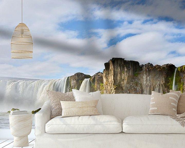 Sfeerimpressie behang: Godafoss waterval in IJsland van Menno Schaefer