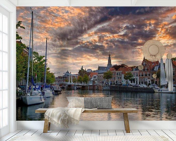 Sfeerimpressie behang: Zeilboten in Haarlem van Anton de Zeeuw