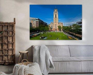 Grotekerkplein Park mit der Laurens Kirche in Rotterdam