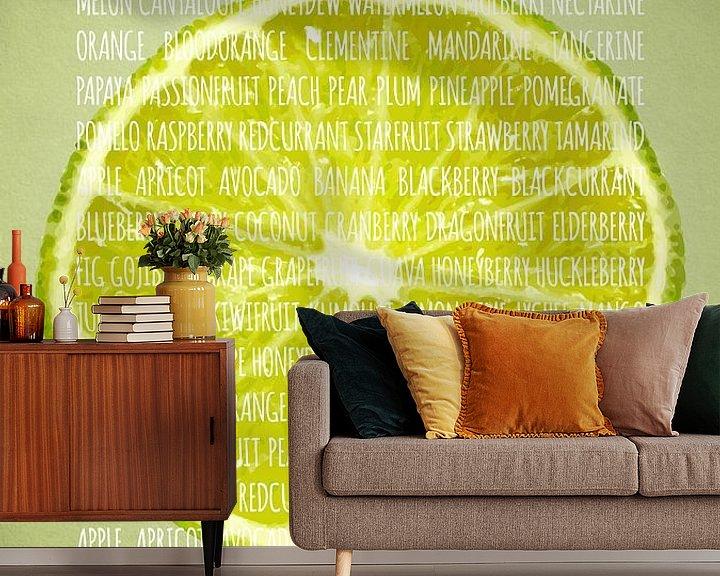 Sfeerimpressie behang: Fruities in kleur Limoen van Sharon Harthoorn