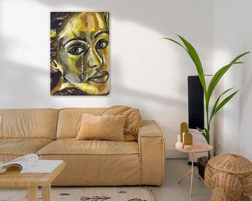 Frau mit einem Herzen aus Gold von ART Eva Maria