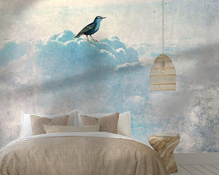 Sfeerimpressie behang: HEAVENLY BIRD I  Portrait van Pia Schneider