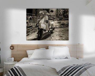 Vespa Scooter Monochroom von Mario Calma