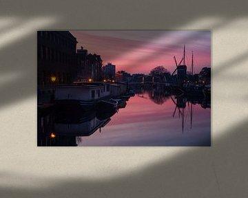 Zonsondergang gracht galgewater Leiden van Tessa Louwerens
