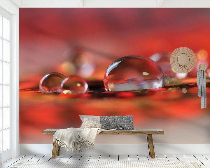 Sfeerimpressie behang: Red sparkling van Carla Mesken-Dijkhoff