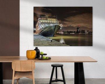 Cruiseschip in Rotterdam sur Kevin Nugter