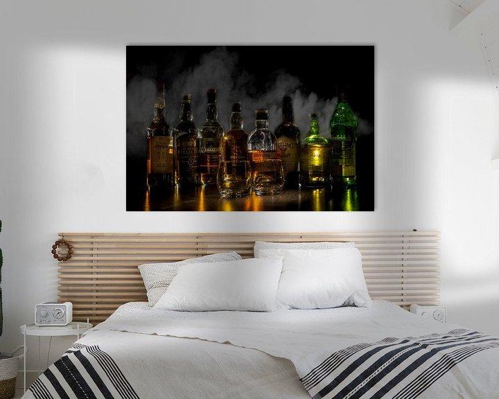 Beispiel: Whiskyflaschen mit Rauch im Hintergrund von Stefan van der Wijst