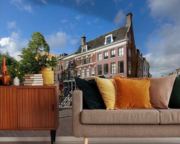 Sfeerimpressie behang: Hoek Oudegracht en Lange Smeestraat in Utrecht van In Utrecht