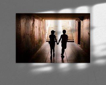 Samen in silhouet van Maren Oude Essink
