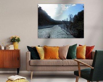 rivier met modderbanken van Joelle van Buren