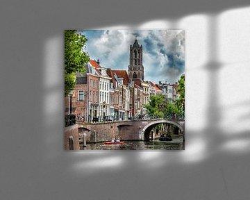 De Utrechtse Domtoren gezien vanaf de Weerdsluis. van Margreet van Beusichem