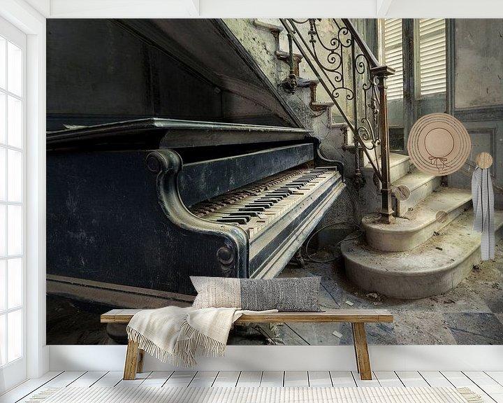 Beispiel fototapete: Klavier neben der Treppe von Perry Wiertz