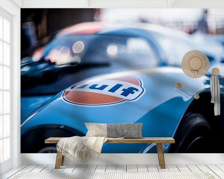 Sfeerimpressie behang: details of the Le Mans Porsche Gulf 02 van Arjen Schippers