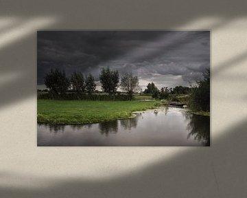 Dreigende wolkendeken van Jos Reimering