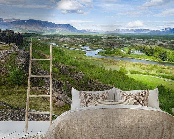 Sfeerimpressie behang: Uitzicht over Thingvellir, IJsland van Joep de Groot