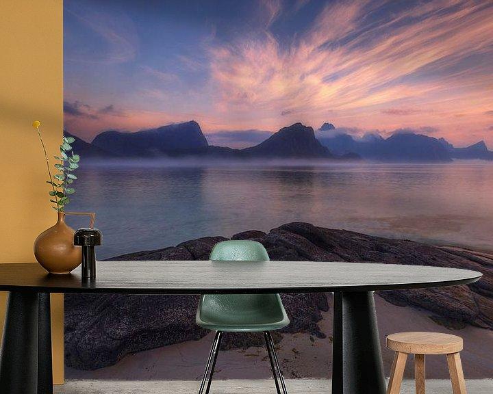 Sfeerimpressie behang: Strand van Haukland, Lofoten van Sven Broeckx